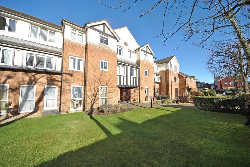 1 Bedroom Retirement Property for sale in Stirling Court, Flat 3 St. Clair Drive, Southport, Merseyside. PR9 7LF