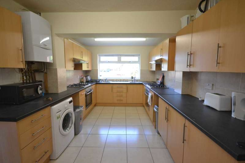 8 Bedrooms Terraced House for rent in Basingstoke Road, Reading, Berkshire, RG2 0ET.