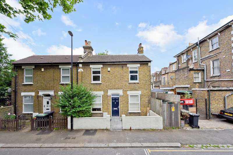 3 Bedrooms House for sale in Dermody Gardens, London SE13
