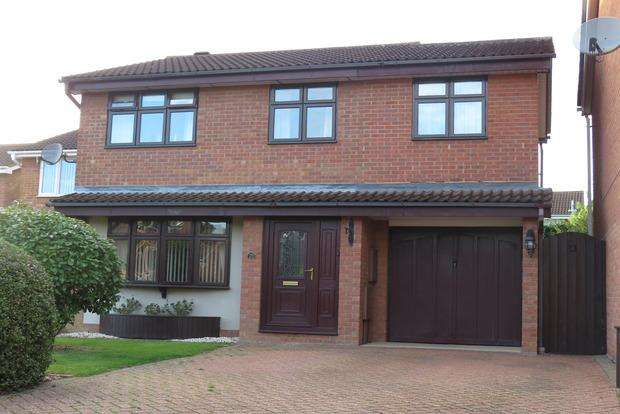 4 Bedrooms Detached House for sale in Wilford Avenue, Wakes Meadow, Northampton, NN3