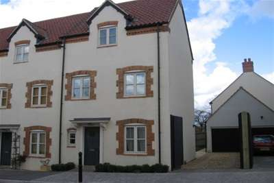 3 Bedrooms Town House for rent in Tadley Acres, BA4
