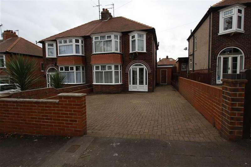 4 Bedrooms Semi Detached House for sale in St Columba Road, Bridlington, East Yorkshire, YO16