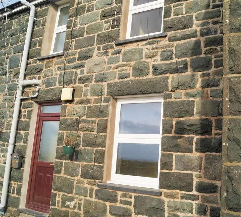 2 Bedrooms Terraced House for rent in Dyffryn Ardudwy