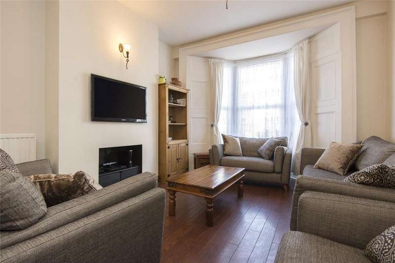 3 Bedrooms House for sale in Walsingham Road, London, E5
