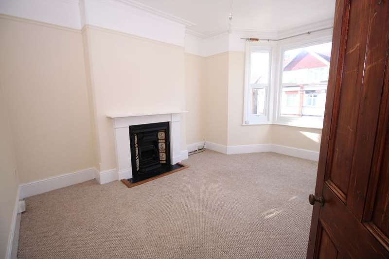 3 Bedrooms Flat for rent in Prices Avenue