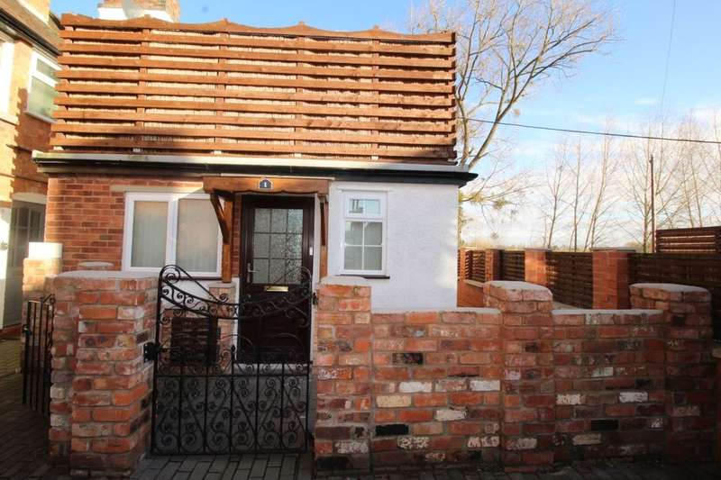 2 Bedrooms Semi Detached House for sale in Hanley Road, Upton-Upon-Severn, Worcester, WR8