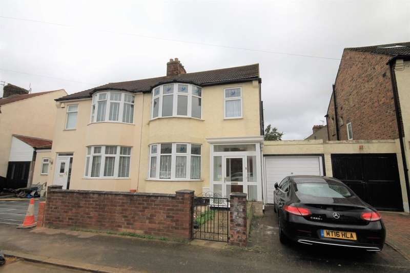 3 Bedrooms Semi Detached House for rent in Astor Avenue, Romford, RM7
