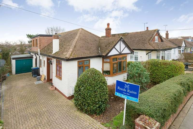 4 Bedrooms Detached Bungalow for sale in Kemp Road, Whitstable, CT5