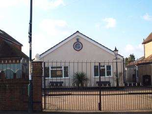 3 Bedrooms Bungalow for sale in Pattens Lane, Rochester, Kent