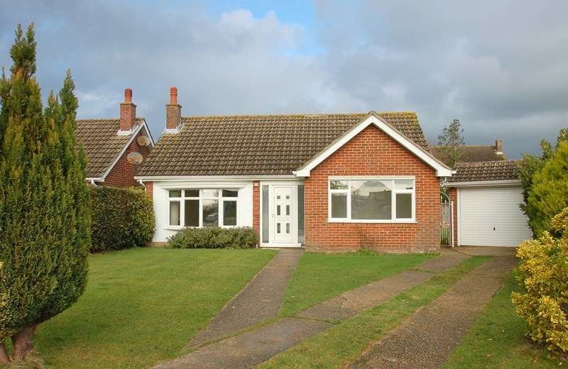 2 Bedrooms Detached Bungalow for sale in Jerram Close, Alverstoke, Gosport
