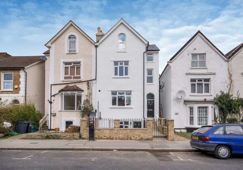2 Bedrooms Flat for sale in Waddon Road, Croydon, CR0