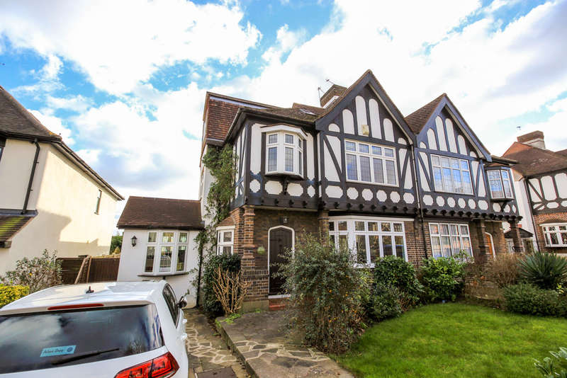 5 Bedrooms Semi Detached House for sale in Princes Avenue, Woodford Green
