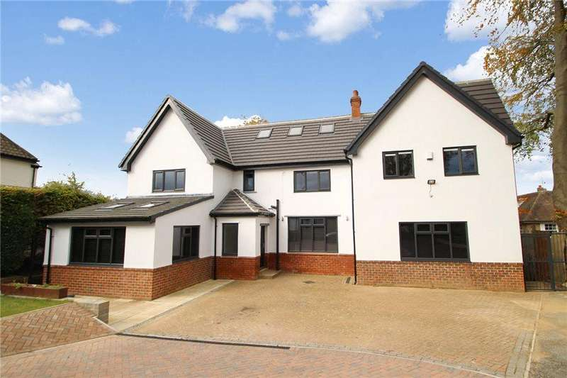 6 Bedrooms Detached House for sale in HAREWOOD ROAD, COLLINGHAM, LS22 5BZ