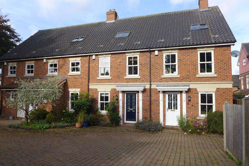 4 Bedrooms Town House for rent in Saxon Place, Bungay