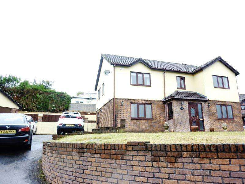 5 Bedrooms Detached House for sale in Kingsacre, LLANTWIT FARDRE CF38 2HG