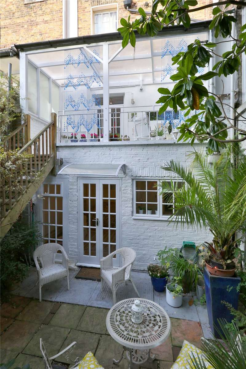 House for sale in Acton Street, London, WC1X
