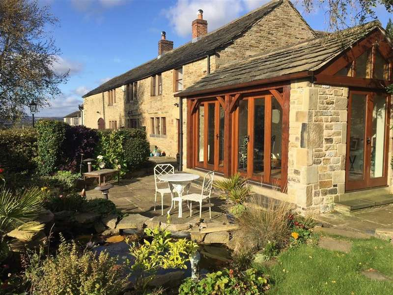 4 Bedrooms Detached House for sale in Long Tongue Scrog Lane, Houses Hill, Huddersfield, HD5