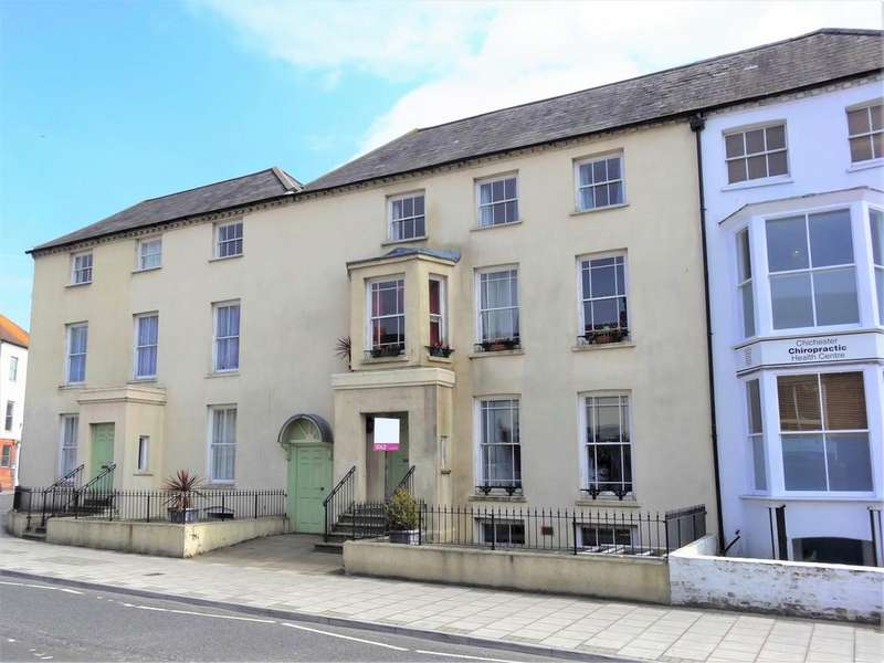 2 Bedrooms Flat for sale in Bedford Chambers, Southgate, Chichester PO19