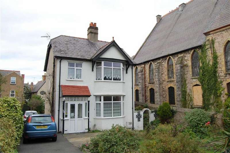 3 Bedrooms Detached House for sale in Woodland Road West, Colwyn Bay
