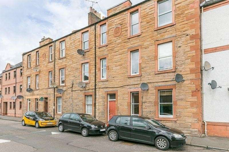 2 Bedrooms Property for sale in 23a Market Street, Musselburgh, East Lothian, EH21 6PS