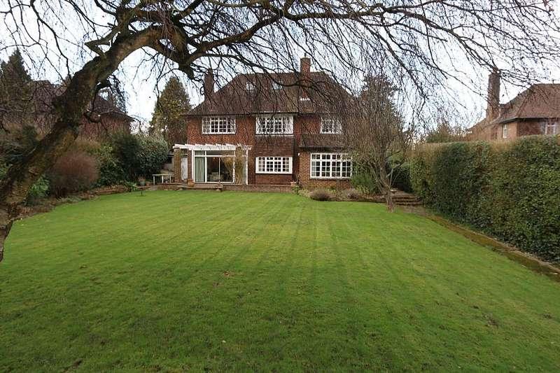 3 Bedrooms Detached House for sale in 8, Grange Court Road, Harpenden, Hertfordshire, AL5 1BY
