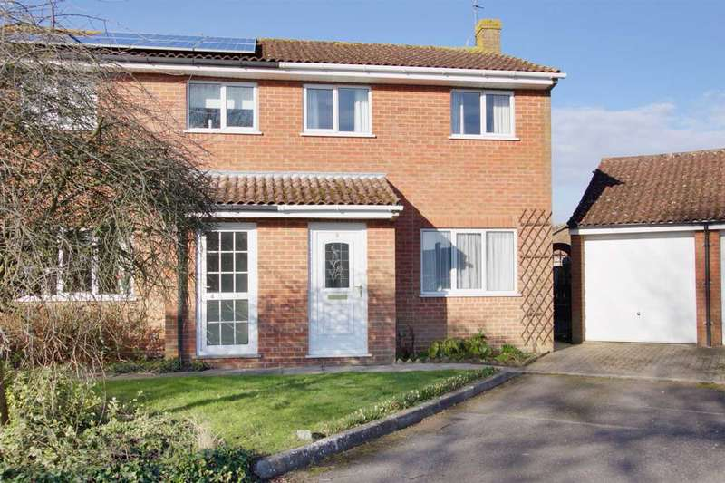 3 Bedrooms Semi Detached House for sale in Elm Close, Ludgershall