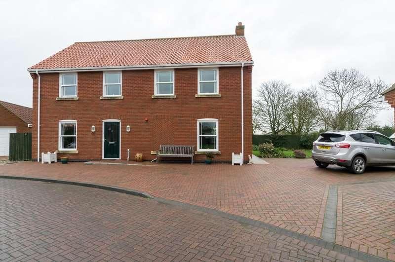 3 Bedrooms Detached House for sale in St. Nicholas Close, Skegness, Lincolnshire, PE24