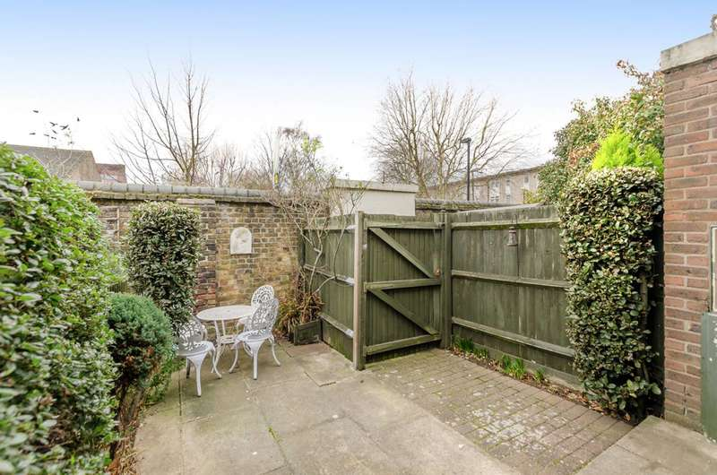 2 Bedrooms House for sale in Francis Close, Canary Wharf, E14