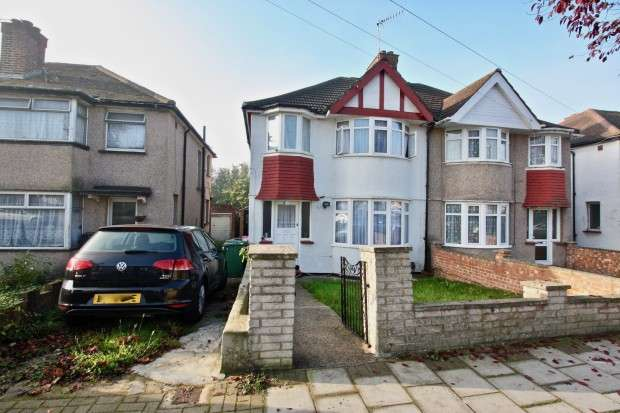 3 Bedrooms Semi Detached House for sale in Welbeck Road, Harrow, HA2