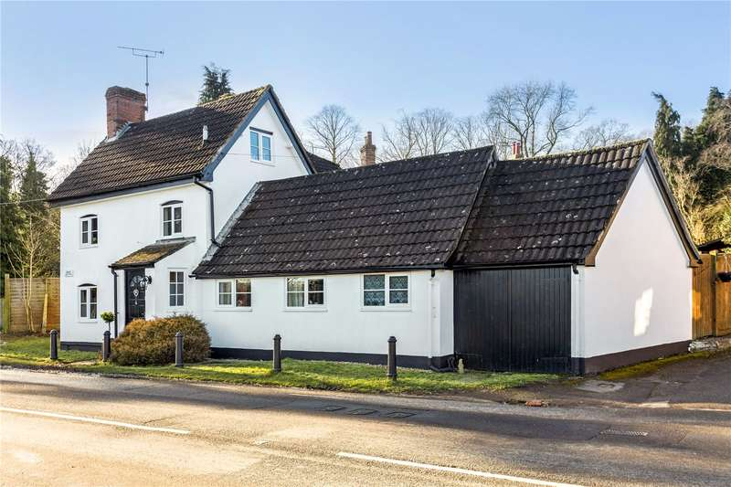 3 Bedrooms Detached House for sale in Marlborough Road, Pewsey, Wiltshire, SN9