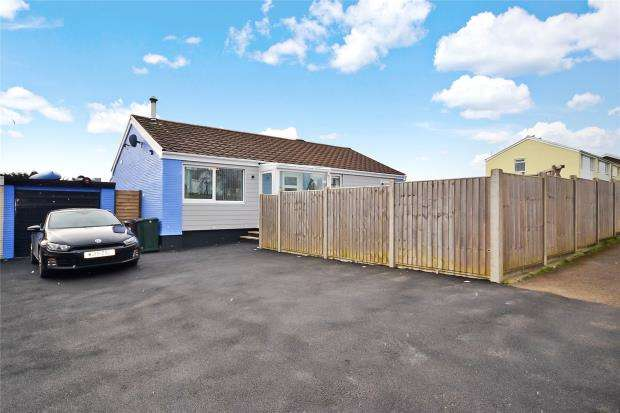 3 Bedrooms Detached Bungalow for sale in Carey Park, Killigarth, Looe, Cornwall