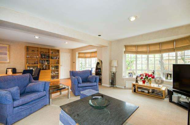 4 Bedrooms Detached House for sale in Richmond, .