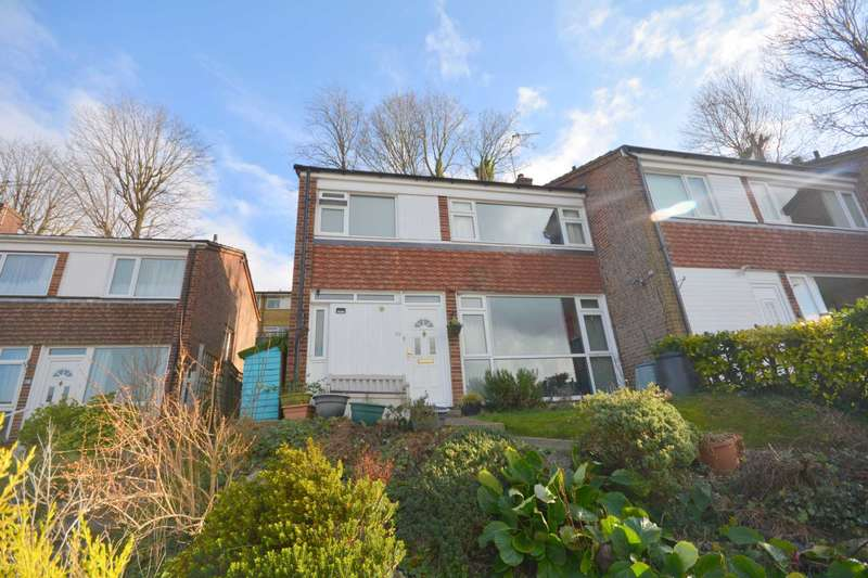 3 Bedrooms Semi Detached House for sale in Broadlands Avenue, Chesham HP5