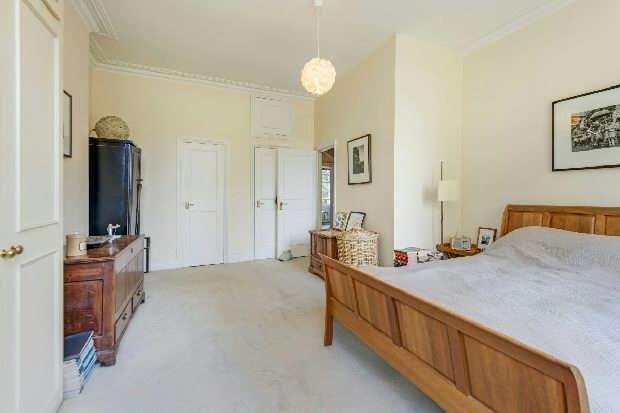 2 Bedrooms Flat for sale in Avenue Road, Highgate, N6