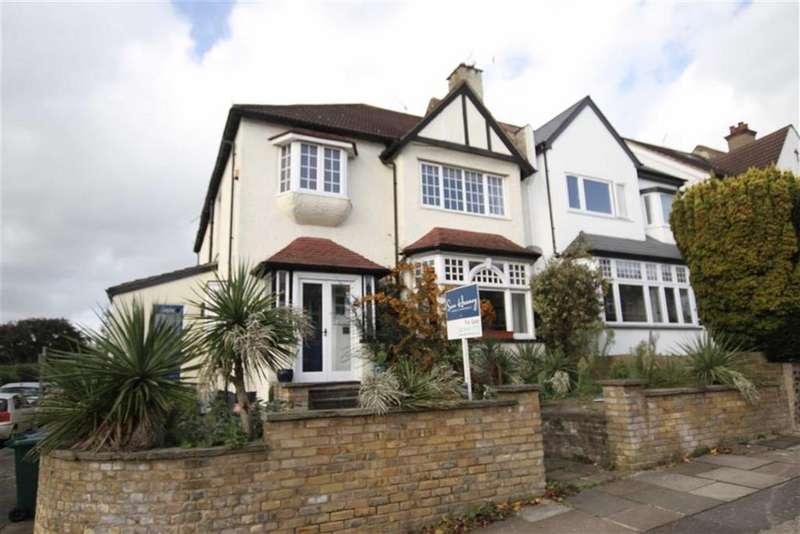 4 Bedrooms Semi Detached House for sale in Bedford Avenue, High Barnet, Herts, EN5