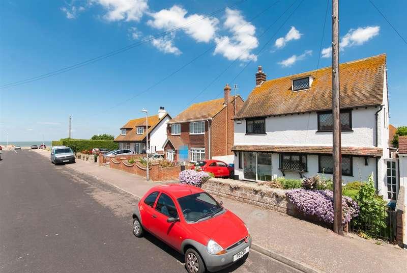 4 Bedrooms Detached House for sale in Kings Avenue, Birchington