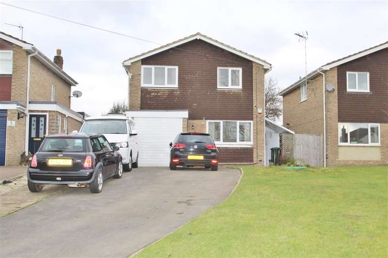 4 Bedrooms Detached House for sale in The Close, Leckhampstead Road, Akeley