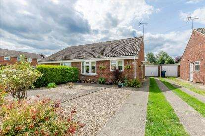 2 Bedrooms Bungalow for sale in Hauxton, Cambridge