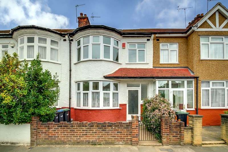 Property for sale in Lincoln Crescent, Enfield