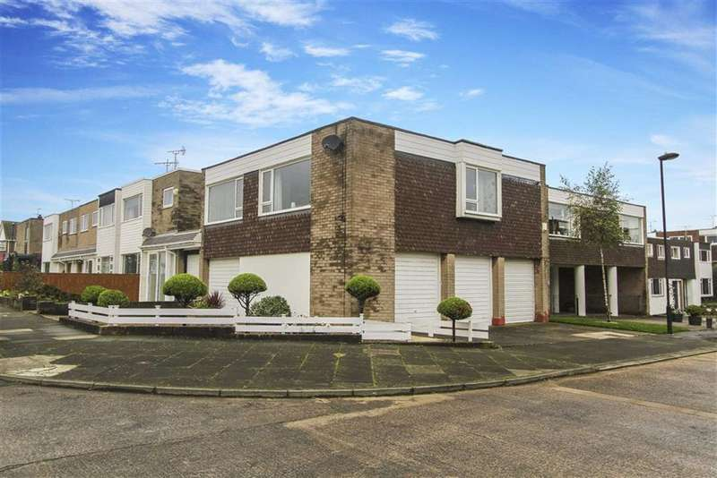3 Bedrooms Flat for sale in Kingston Close, Whitley Bay, Tyne And Wear