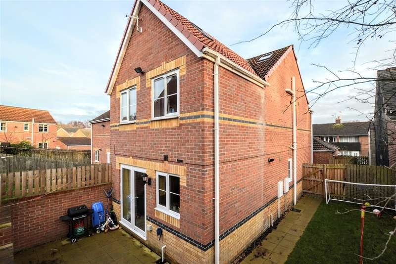 4 Bedrooms Semi Detached House for sale in Portland Street, Barnsley, S70 3QT