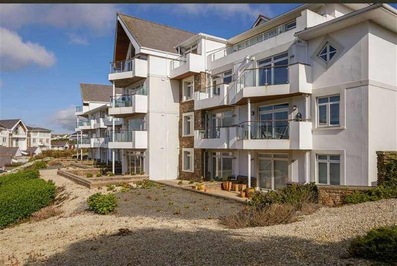 2 Bedrooms Apartment Flat for sale in Majestic Apartments, Onchan, Isle of Man
