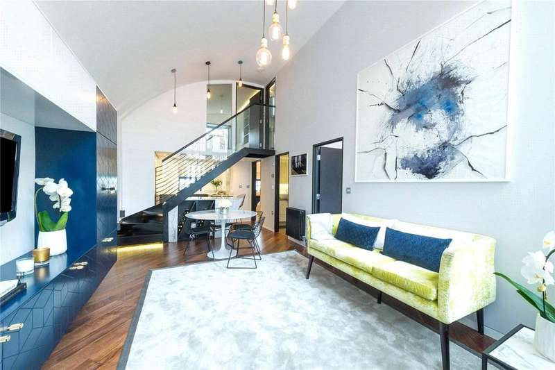 3 Bedrooms Mews House for rent in Blake Mews, Kew, Surrey