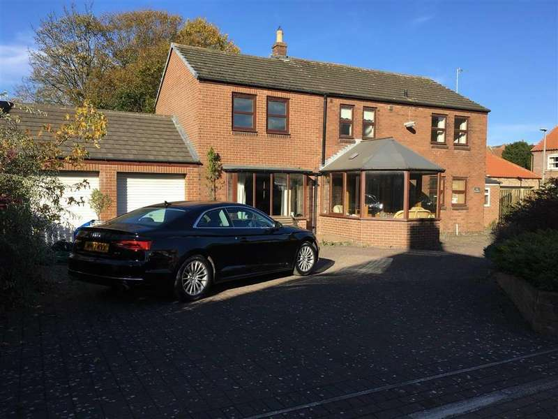 4 Bedrooms Detached House for sale in Gatherely Road, Brompton On Swale, North Yorkshire