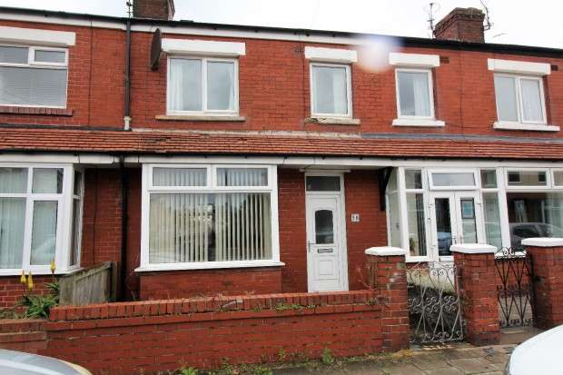 3 Bedrooms Terraced House for sale in Threlfall Road, Blackpool, FY1