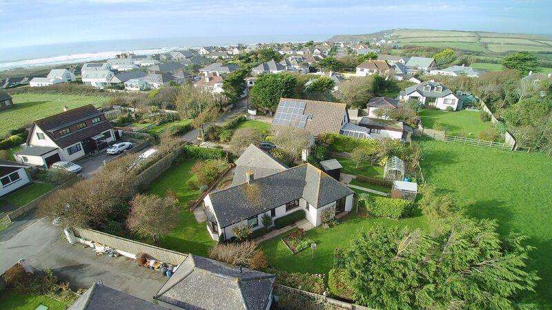 3 Bedrooms Detached Bungalow for sale in Combe Lane, Widemouth Bay