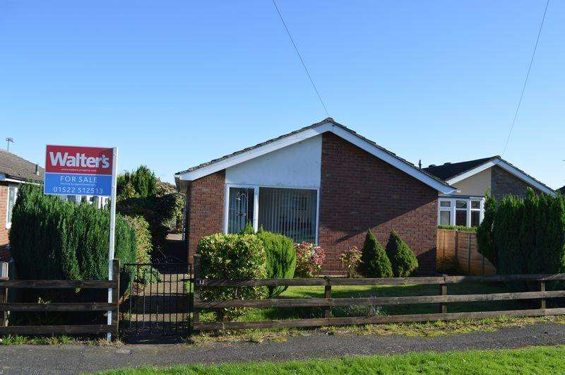3 Bedrooms Detached Bungalow for sale in New Crescent, Cherry Willingham