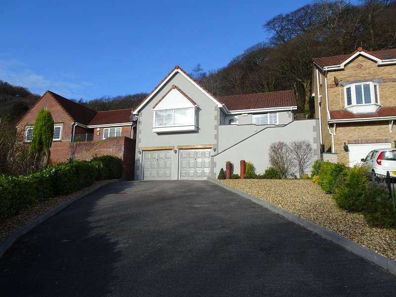 4 Bedrooms Detached House for sale in Cae Canol , Baglan, Port Talbot, Neath Port Talbot. SA12 8LX