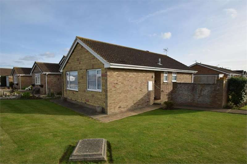 3 Bedrooms Detached Bungalow for sale in Durrell Close, Springfield Farm