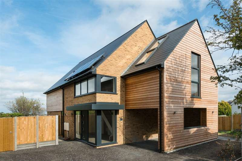 4 Bedrooms Detached House for sale in Grimthorpe Avenue, Whitstable